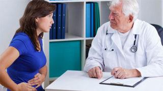 Герпес на губах при беременности в первом триместре: последствия, чем лечить